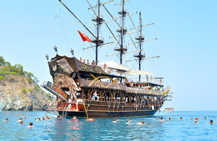 KEMER BLUE VOYAGE-PARTY BOAT